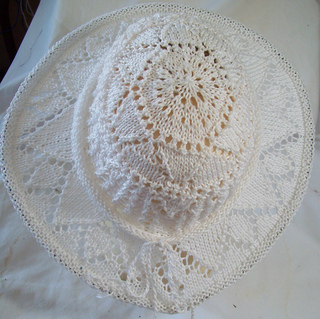 White_g_class_hat_small2