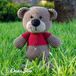 Teddy_sweet_hugs_amigurumi_01_small2