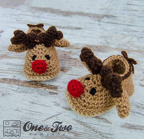 Ravelry: Reindeer Booties - Baby sizes pattern by Carolina Guzman