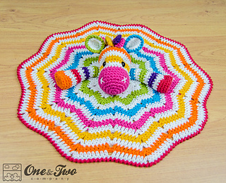 Rainbow_zebra_security_blanket_crochet_pattern_05_small2