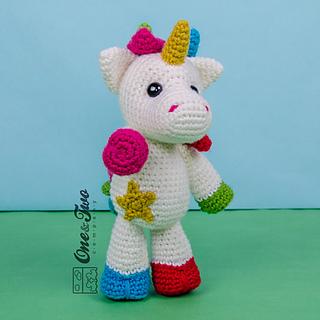 Nuru_the_unicorn_amigurumi_crochet_pattern_02_small2