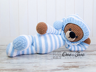 Sydney the Big Teddy Bear pattern by Carolina Guzman
