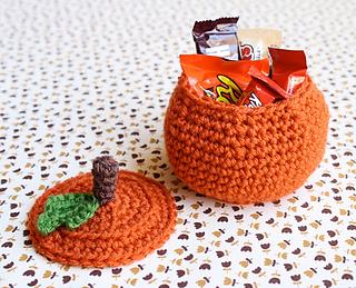 One-sheepish-girl-crochet-pumpkin-bowl-1-1_small2