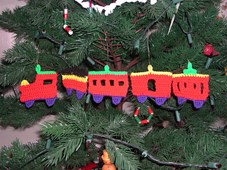 ravelry christmas train ornaments c 189 pattern by terry hoffman - Christmas Train Decoration