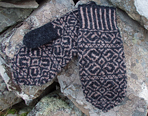 Journeyman_mittens_2_cropped_small_best_fit