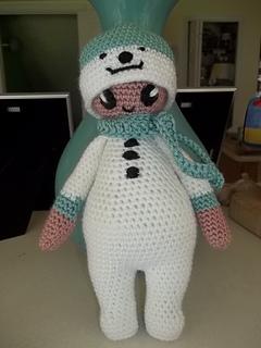 Noonoo_in_her_snowman_suit__2__small2