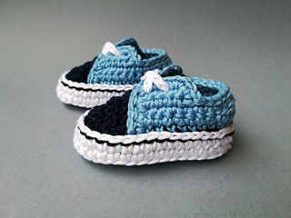 9fe36b8b0 Ravelry: Baby Vans old skool pattern by CrochetSneakers