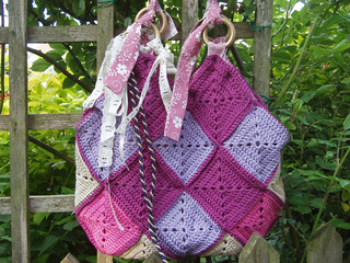 Al_fresco_crochet_bag__small2