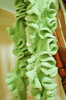 Ruffle_scarf_12-3-7_small2