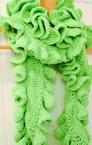 Ruffle_scarf_12-3-10_medium