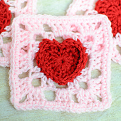 Heart_granny_square_crochet_pattern_small_best_fit