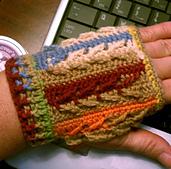 Falling_leaves_fingerless_gloves_001_small_best_fit