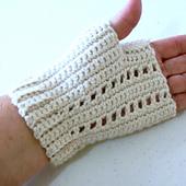 Flat_seamed_fingerless_gloves_002_small_best_fit