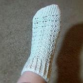 Shell_stitch_socks_-_silver_yarn_001_small_best_fit
