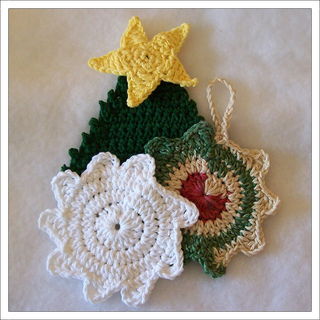Christmas_scrubbies_001f_-_tree_and_snowflakes_small2