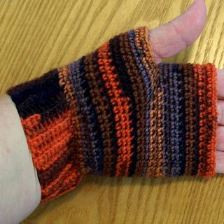 Fingerless_gloves_002__from_pam_s_laptop__small2