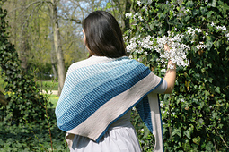 Ghost_shawl_polkaknits_11_small_best_fit