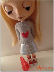 Heart_sweater_2_small
