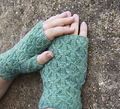 Hillis_gate_mitts_2_small