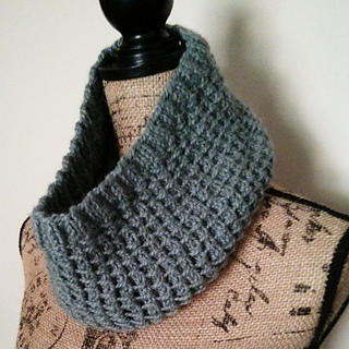 Bamboo_stitch_cowl_side_small2