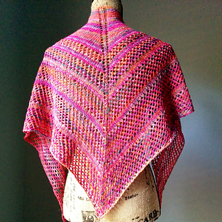 Effortless_lace_knit_shawl_3_small2