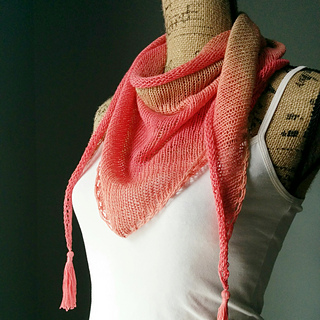 Stockinette_stitch_shawlette_small2