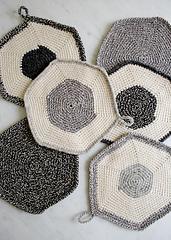 Set-of-three-pot-holders-600-7_small