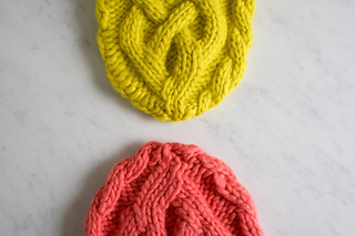 320a68d4391 Ravelry  Traveling Cable Hat pattern by Purl Soho