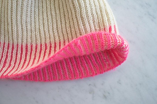 Color-dipped-hat-600-9-662x441_small2