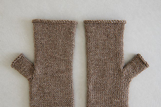 Stockinette-hand-warmers-600-6-661x441_small2
