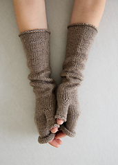 Stockinette-hand-warmers-600-9_small