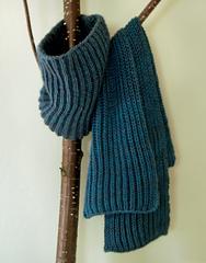 Fish-rib-cowl-scarf-425_small