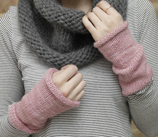 Wristwarmers_cropped_small2