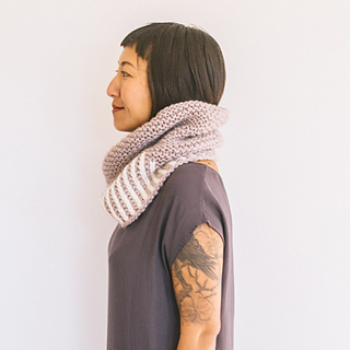 Quince-co-fog-harbour-fiona-alice-knitting-pattern-ibis-2sq_small2