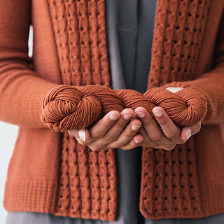 Quince-co-lassi-elizabeth-smith-knitting-pattern-chickadee-5-sq_small2
