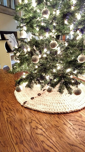 Ravelry Farmhouse Christmas Tree Skirt Pattern By Cozy Nooks