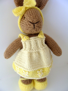Yellow_bunny_3_small2