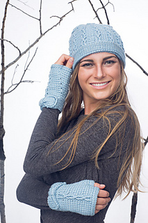Ribbons_and_bow_hat_-_mitts_2_small2