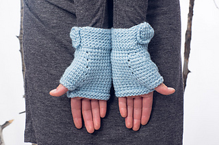 Ribbons_and_bow_hat_-_mitts_6_small2