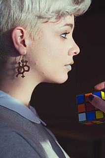 Molecule_earrings_small2