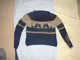 Tapir_sweater_small2