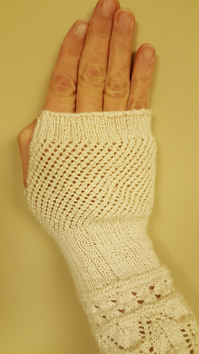 Ravelry Knitted Lace Mittens For A Lady Pattern By Weldons