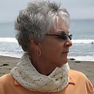briana White Caps Cowl - the purl bee the needlework. Collect Collect this now for later. frankie Laura's Loop: Cashmere Cuff - The Purl Bee DIY. Collect Collect this now for later. Jovana adult friendship bracelets: Laura.