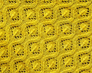 Ravelry_7_faux_cable_shawl_small2