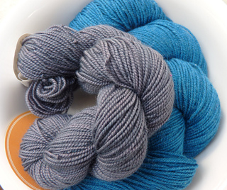 Koigu_and_spud___chloe_yarn_small2