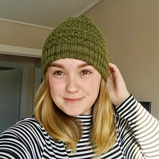 d5d800ae10d9 Ravelry  Muir Woods Beanie pattern by The Blue Mouse