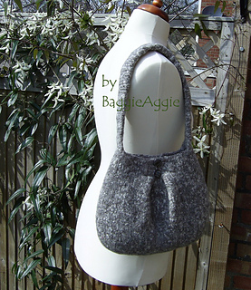 Knit_and_felt_pleated_shoulder_bag_purse_pattern_pdf_small2