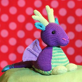 Knittin_pattern_dragon_small2