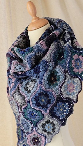 Ravelry Mystical Lanterns Shawl Pattern By Jane Crowfoot