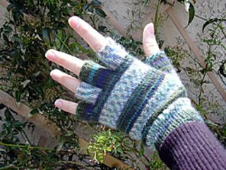 Gloveclose_small2